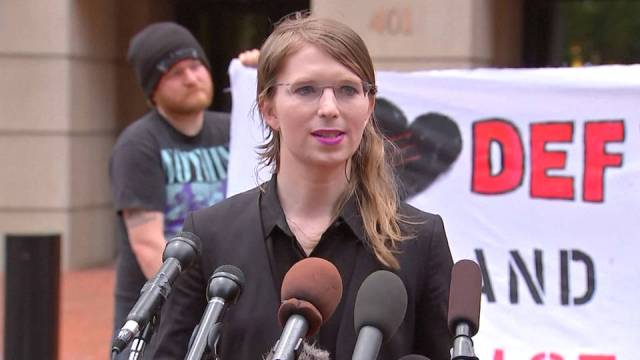 h14-chelsea-manning-jailed-virginia-grand-jury